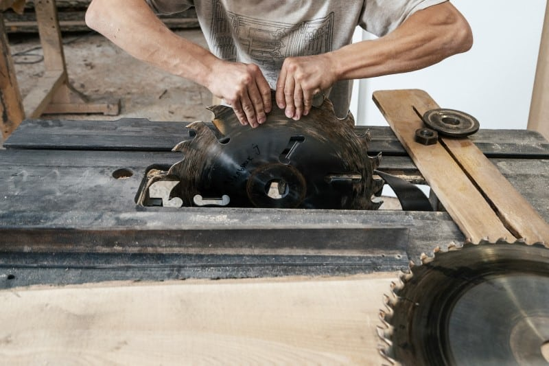 When To Replace Your Saw Blade